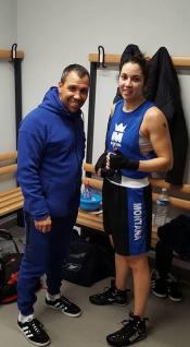 Nahed Kharchi avec son entraîneur Fabien Guillerme dans les vestiaires